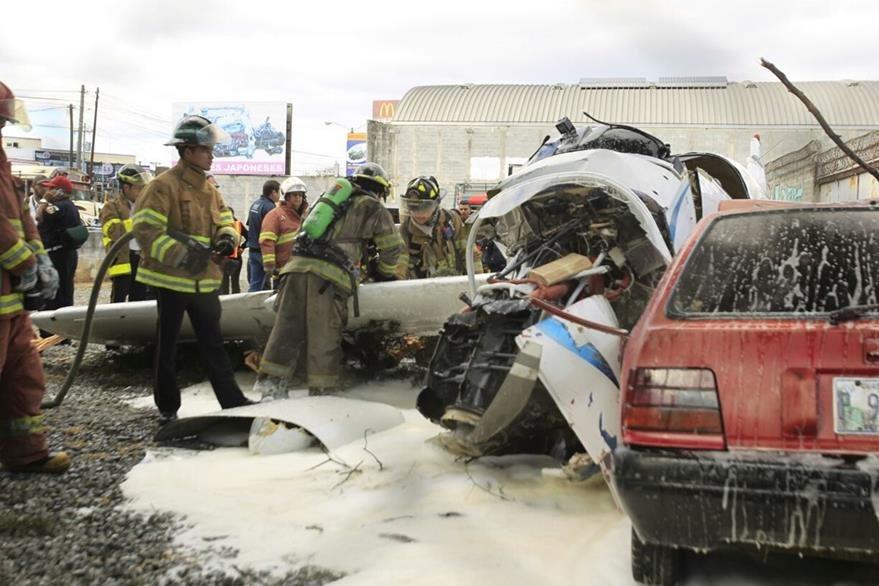 Fallas mecánicas habrían sido las causantes del accidente. (Foto Prensa Libre: Carlos Hernández)