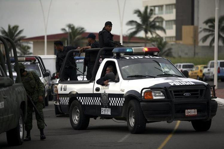 Aparentemente, los policías confundieron a la familia con delincuentes. (Foto Hemeroteca PL).