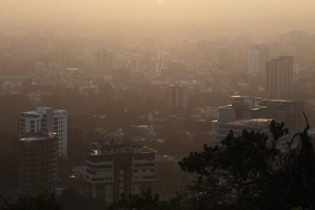 Vista panorámica de la ciudad de Guatemala desde la carretera a El Salvador, el 22 de junio de 2015. (Foto: Hemeroteca PL)