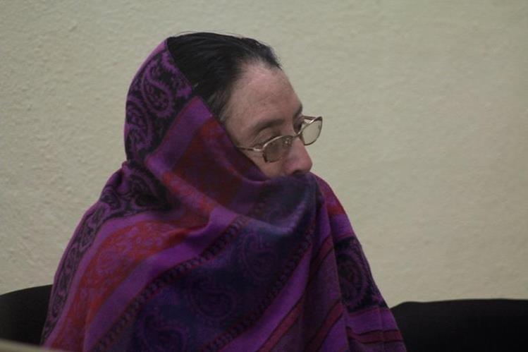 Eluvia López Alvarado escucha condena en tribunales de Justicia en Xela. (Foto Prensa Libre: María José Longo)