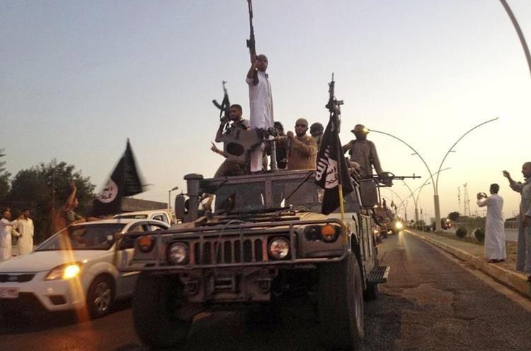 Foto de archivo de la toma de localidades iraquíes por parte del Estado Islámico. (Foto Prensa Libre: AP)