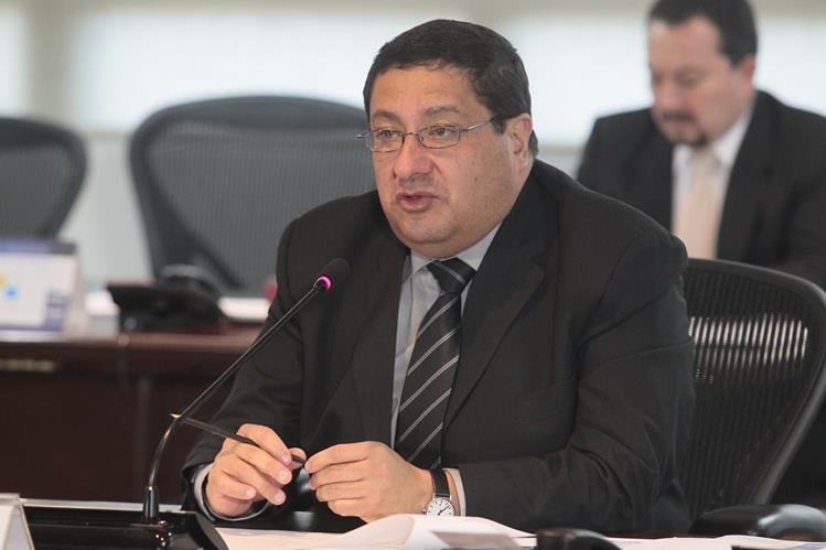 Dorval carías, ministro de Finanzas, confirmó ayer que preparan una iniciativa de ley para ampliar el techo de gasto público en este año.