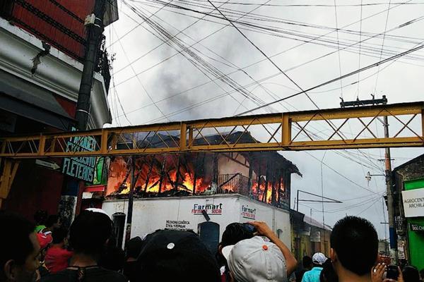 Los afectados estiman que las pérdidas ascienden a más de Q1 millón. (Foto Prensa Libre: Jorge Tizol)