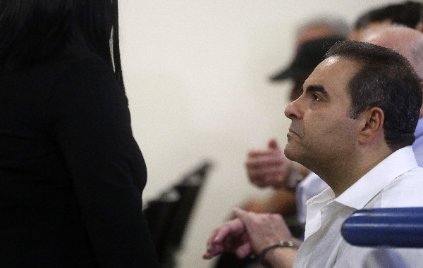 Antonio Saca, acusado de malversar US$246 millones, sobre lo que se declara inocente.(EFE).