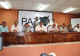 Autoridades en conferencia de prensa en la que dieron detalles sobre las acciones que tomarán ante la ola de crímenes contra universitarios. (Foto Prensa Libre: Mario Morales)