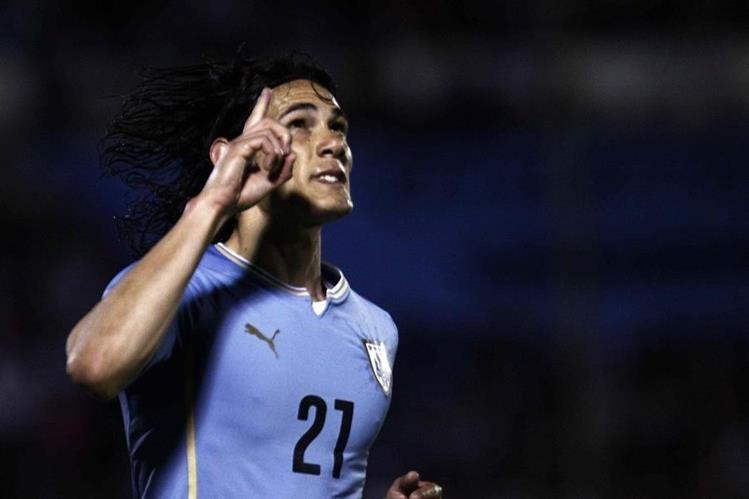 Edinson Cavani de Uruguay celebró así tras anotar un gol ante Guatemala el pasado 6 de junio. (Foto Prensa Libre: Hemeroteca)