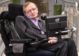 Pese a su enfermedad, Stephen Hawking nunca ha dejado la investigación. (Foto Prensa Libre: AP)