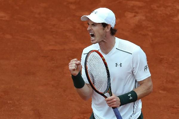 El británico Andy Murray logra avanzar a la siguiente ronda después de un sufrir para ganar. (Foto Prensa Libre: AFP)