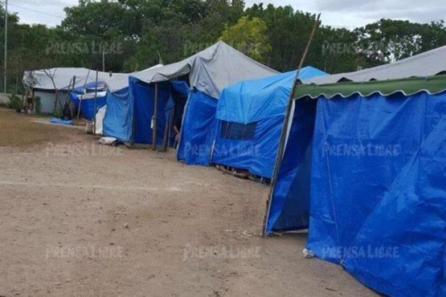 En estas carpas duermen los reos en la cárcel Mariscal Zavala, en zona 17. (Foto Prensa Libre: Hemeroteca PL)