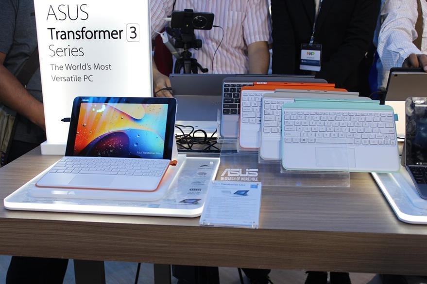 Transformer mini es la tableta de Asus que también se convierte en una pequeña laptop. (Foto Prensa Libre: Cristian Dávila).
