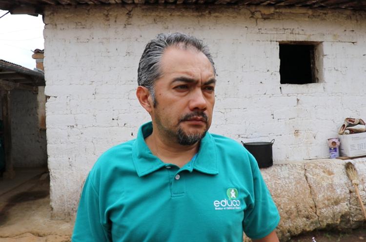 Ramón Gonzáles, de la asociación Verde y Azul. Foto Prensa Libre: Héctor Cordero.