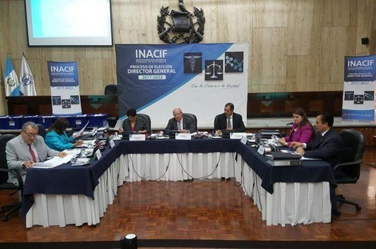 Consejo Administrativo del Inacif durante la elección de Fanuel García como director del Inacif. (Foto Prensa Libre: OJ)