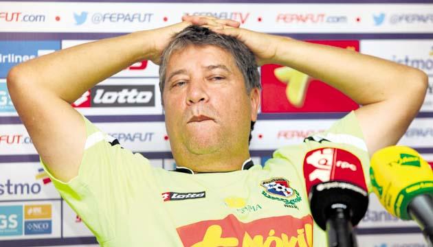 El Bolillo Gómez, técnico de Panamá, criticó la falta de apoyo de los equipos con la Selección. (Foto Hemeroteca PL).
