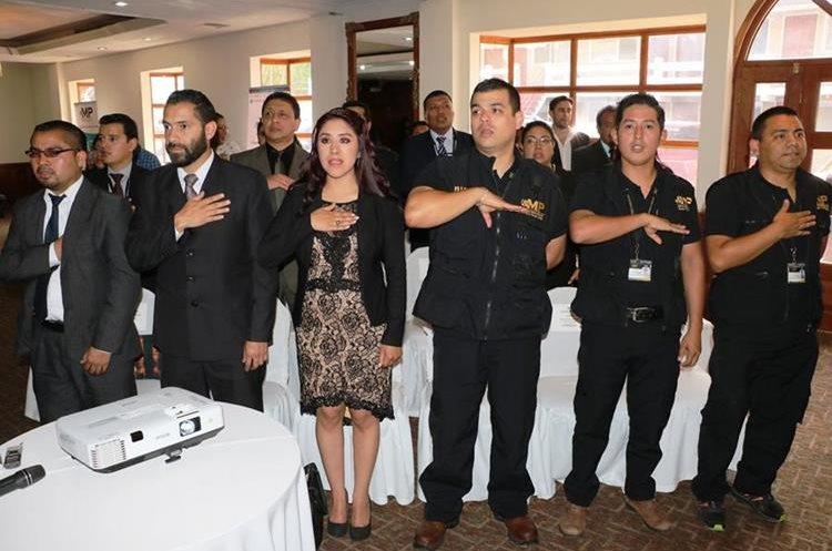 Personal que trabajará en las fiscalías.(Prensa Libre: Carlos Ventura)