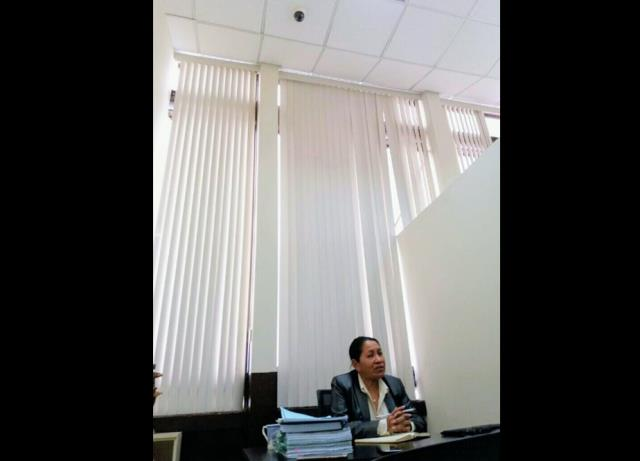 La jueza Sara Yoc señala que hay cámaras en el Juzgado y en el Tribunal de Mayor Riesgo D. (Foto : La Red)