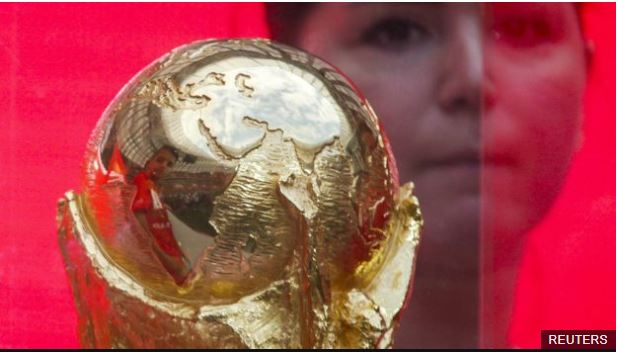 Esta semana también se inició la gira que el trofeo de la Copa del Mundo hará por Rusia.