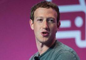 """""""Trump dice que Facebook está contra él... Y los liberales dicen que ayudamos a Trump"""", explicó el fundador de la red social. GETTY IMAGES"""