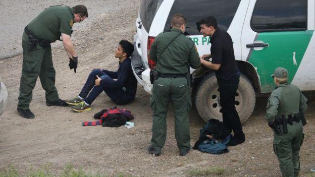 La captura de migrantes en la frontera de México y Estados Unidos bajó este año. JOHN MOORE/GETTY IMAGES
