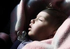 ¿Su hijo no duerme y no le deja dormir? Búsquele un entrenador, le recomendarán algunos. En los últimos cinco años ha habido un notable incremento en el número de especialistas que dicen ser capaces de entrenar a los bebés para que duerman toda la noche sin despertarse o demandar alimento. (Foto, Thinkstock)