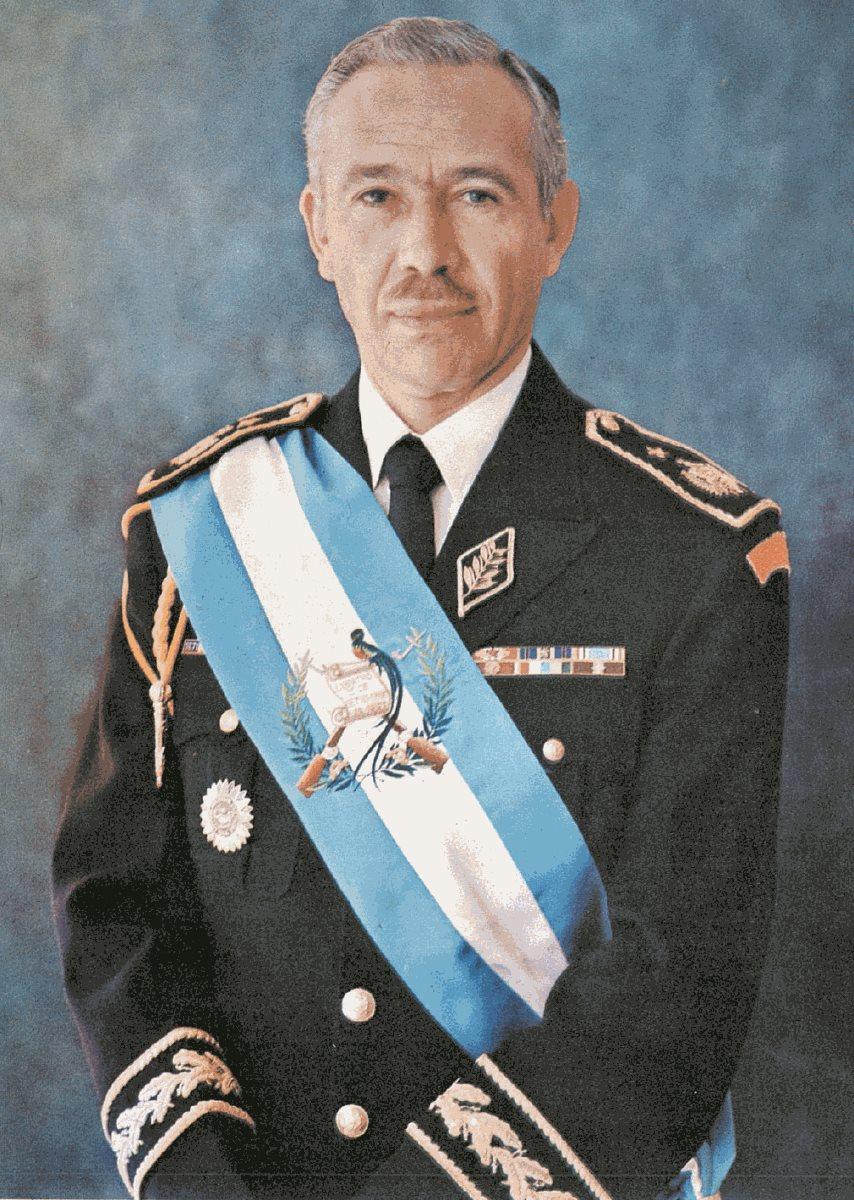 Kjell Eugenio Laugerud García era presidente cuando ocurrió el terremoto de 1976. (Foto: Hemeroteca PL)