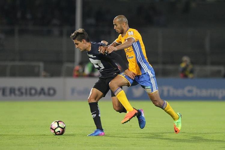 Los Tigres derrotaron 3-0 a los Pumas como visitante en el juego de vuelta de las semifinales de la Liga de Campeones de la Concacaf. (Foto Prensa Libre: EFE)