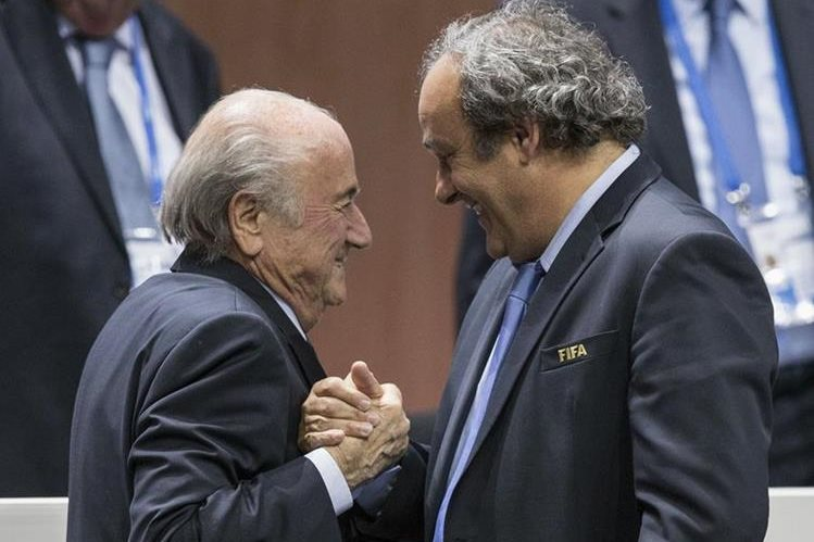 Blatter y Platini son investigados por varios delitos. (Foto Prensa Libre: Hemeroteca)