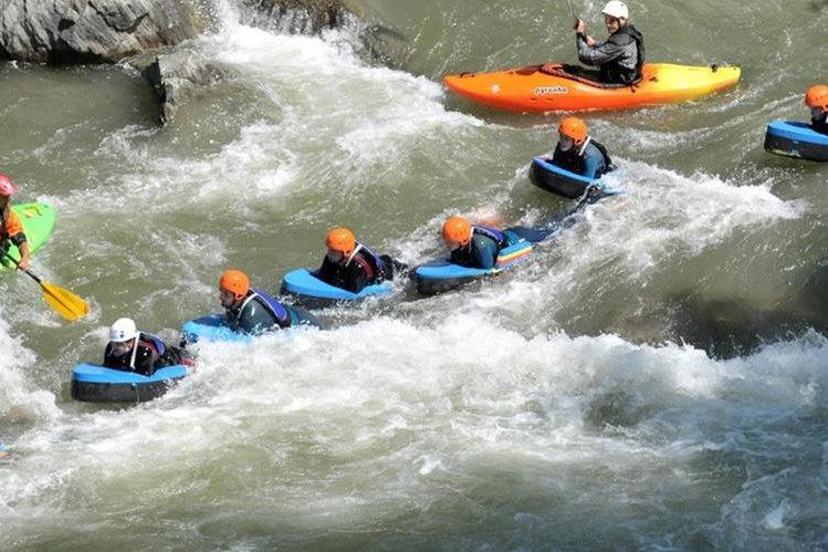 El hidrospeed es un deporte nuevo en Guatemala.
