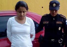 Karla Paola Villatoro Mazariegos, auxiliar fiscal del MP, detenida en operativo en Santo Domingo Xenacoj, Sacatepéquez. (Foto Prensa Libre)