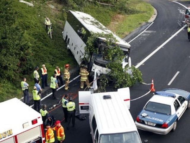 Pakistán cuenta con uno de los índices más altos del mundo de accidentes de tráfico. (Foto Prensa Libre: AFP)