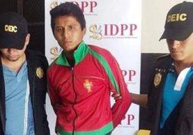 Gilberto Gómez Godínez, luego de ser detenido. Foto Prensa Libre: PNC
