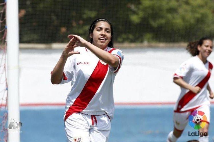 La guatemalteca Ana Lucía Martínez seguira ha dejado de ser parte del Rayo Vallecano para vincularse al Sporting Club Huelva. (Foto Prensa Libre: Twitter)