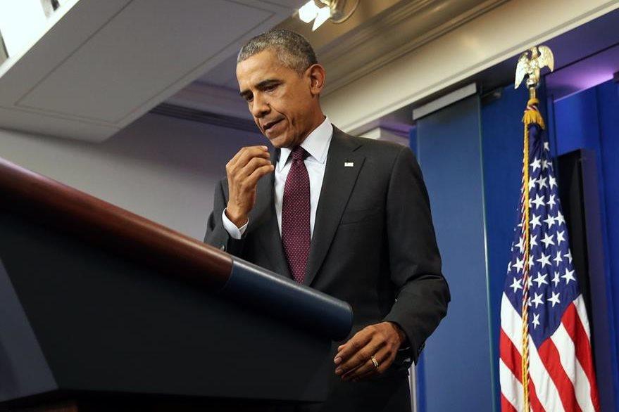 El presidente Barack Obama habla en la Casa Blanca con los medios de comunicación, el mandatario lamentó el incidente en Oregón. (Foto Prensa Libre: AP).