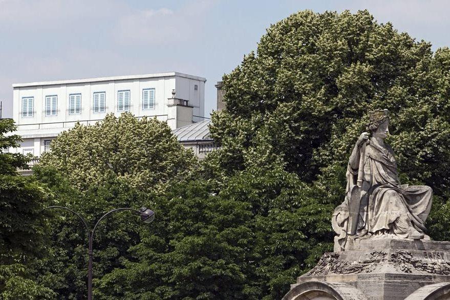 Fachada de la embajada estadounidense en París, Francia. (Foto Prensa Libre: EFE).