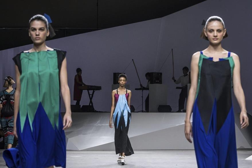 Las pasarelas albergan lo mejor de la alta costura mundial. (Foto Prensa Libre: EFE)