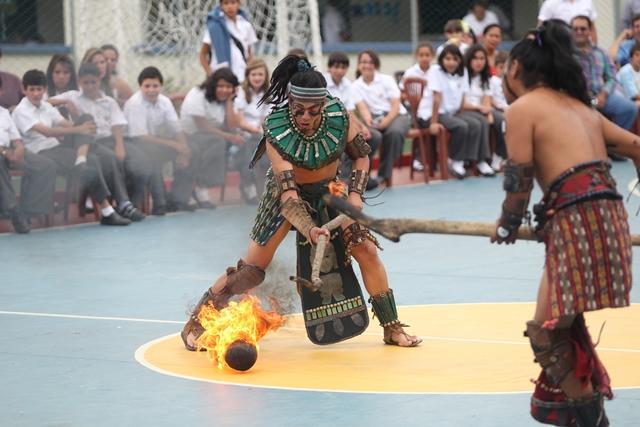 Integrantes del Programa de Juegos y Autóctonos y Tradicionales Pelota Maya del Ministerio de Cultura y Deportes. (Foto: Hemeroteca PL)