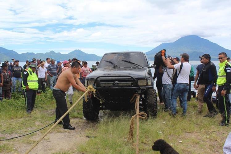 El cuerpo de Yoselin Anaí Chumil Vargas, de 16 años, fue localizado el 27 de junio último en un picop que fue lanzado al fondo del Lago de Atitlán. (Foto Prensa Libre: HemerotecaPL)