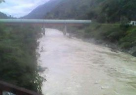 El río Chixoy arrastró al menor de 12 años. (Foto Prensa Libre: Eduardo Sam)