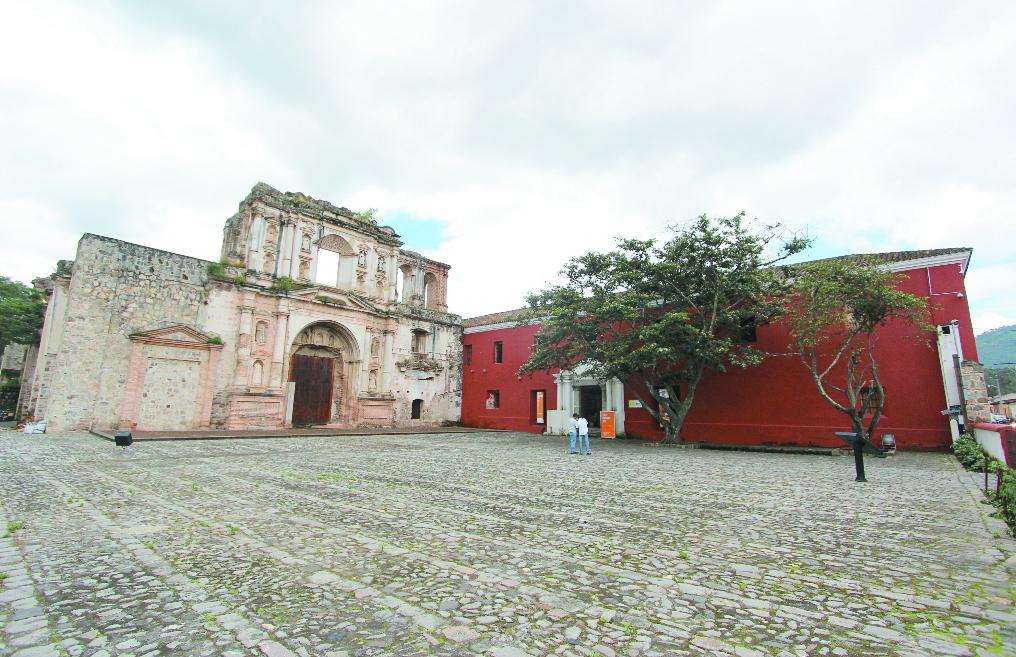 Sede de la Compañía de Jesús, donde también funcionaba el Colegio San Borja. Hoy es la sede de la Cooperación Española en Guatemala, Antigua Guatemala. (Foto: Hemeroteca PL)
