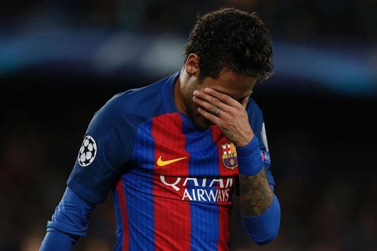 El esfuerzo del Barcelona por hacer jugar a Neymar el clásico, pese a su suspensión, no fue suficiente. (Foto Prensa Libre: AFP)