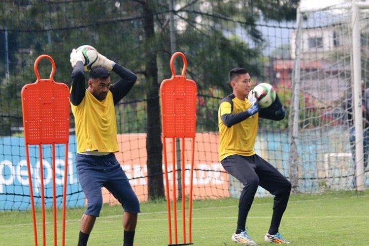 Motta, durante el entrenamiento vespertino de la Selección Nacional minutos antes de lesionarse. (Foto Prensa Libre: FEDEFUT)