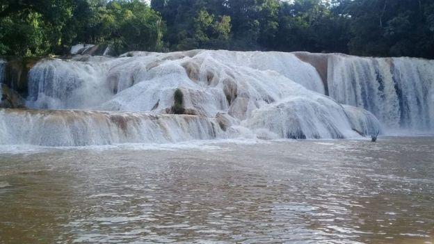 La Golondrina recuperó el agua este lunes, pero su turquesa característico se perdió por ahora. (Foto: Alfonso García)
