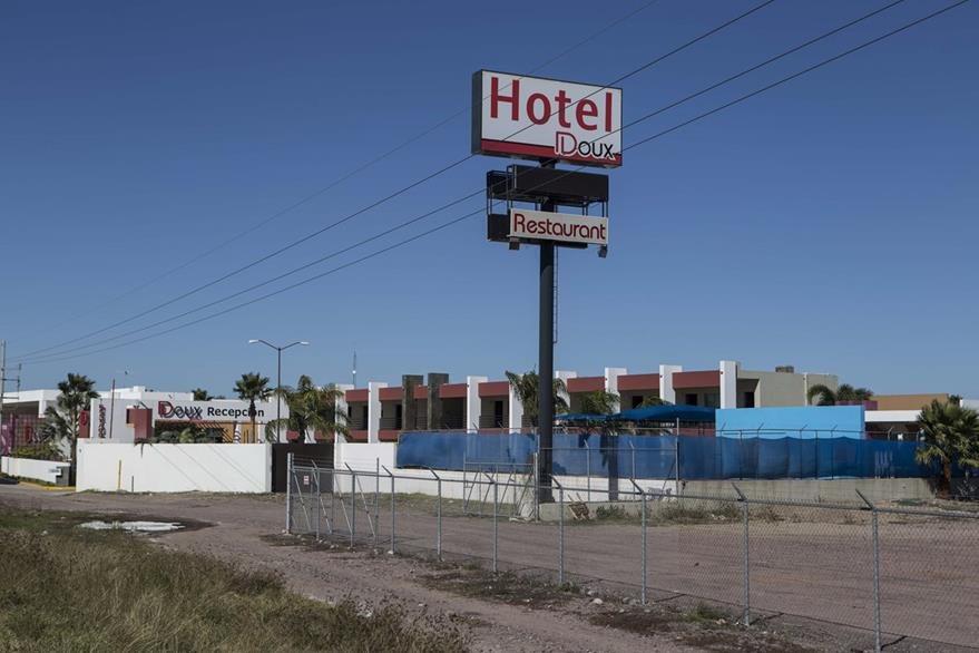 Hotel de la ciudad de Los Mochis, Sinaloa, México, a donde fue llevado Guzmán luego de su captura. (AP)