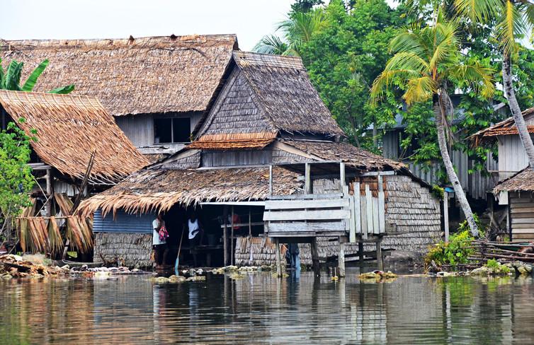 Varias casas en Islas Salomón poco a poco se están convirtiendo en inhabitables. (Foto: Simon Albert/theconversation.com).