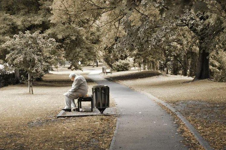 El resultado de la soledad es un sistema inmunológico debilitado que vuelve a las personas más vulnerables a la enfermedad.