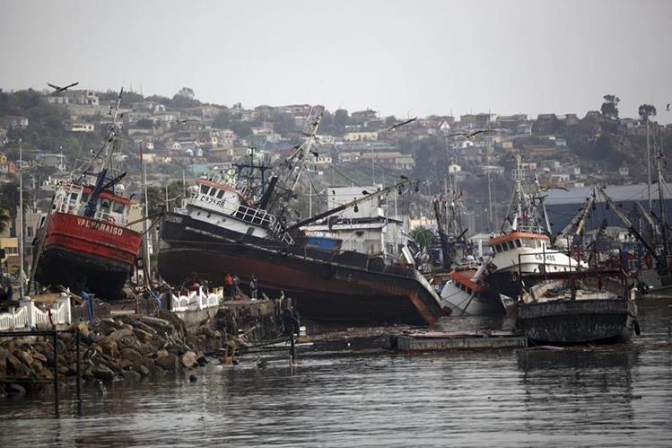 Devastación causó terremoto en Chile. (Foto Prensa Libre: AP)