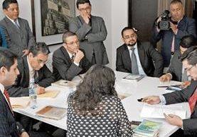 Más de 30 intervenciones se realizaron el año pasado, la mayoría por defraudación tributaria. Los procedimientos fueron ejecutados por la SAT. (Foto Prensa Libre: Hemeroteca PL)