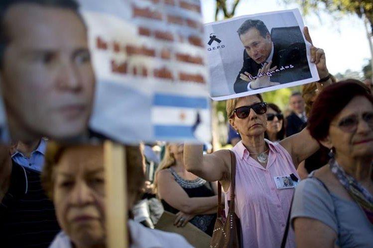 Protestas piden la aclaración de la muerte de Alberto Nisman.