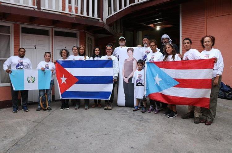 El colectivo ascendió el volcán Tajumulco, en San Marcos, para exigir a Estados Unidos la liberación de Ana Belén Montes, presa por espionaje. (Foto Prensa Libre: Whitmer Barrera)
