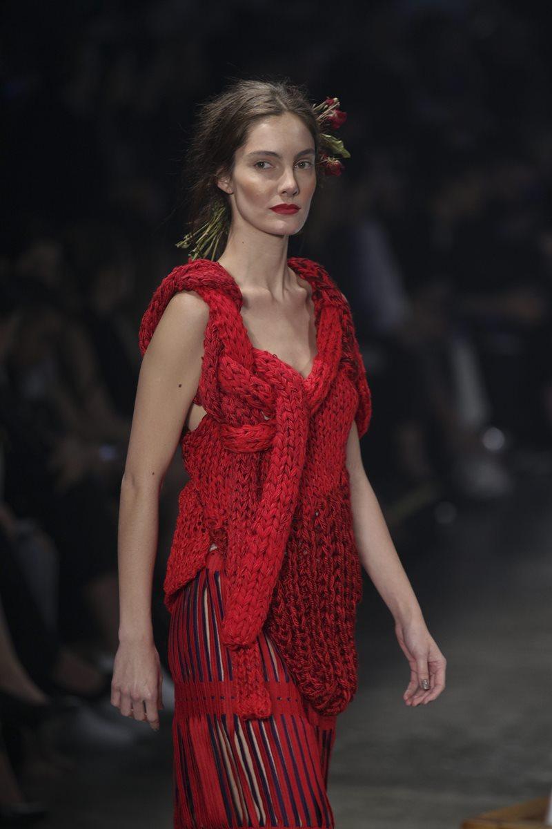 Los tejidos de lana también formaron parte de la propuesta de  Ronaldo Fraga. (Foto Prensa Libre: EFE).