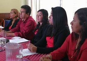 Sindicato de trabajadores de la PDH señalan a Claudia López, procuradora adjunta y candidata a PDH. (Foto Prensa Libre: Jessica Gramajo)